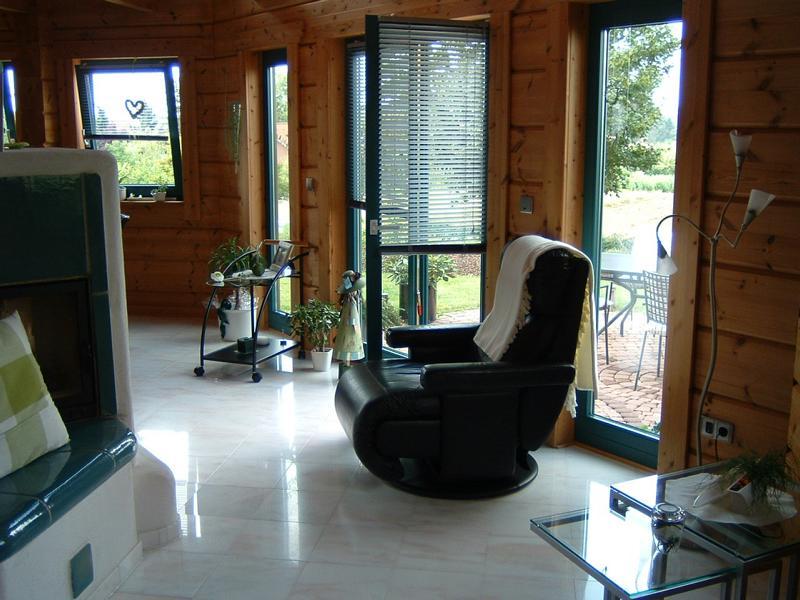 24_Untersuchung-von-Fußbodenverformungen-in-einem-Holzhaus_Wohnbereich-EG