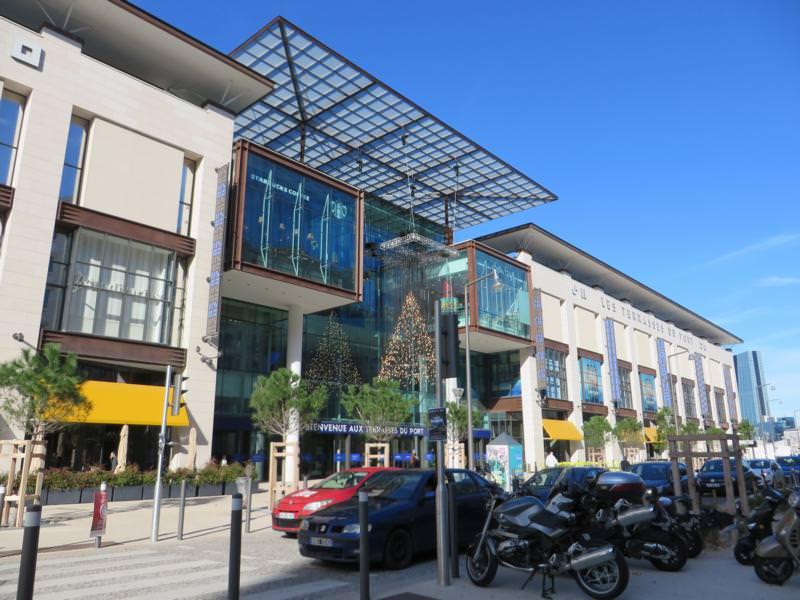 75_Expertise-sur-le-décollement-du-revêtement-plastique-centre-comerciale-Marseille